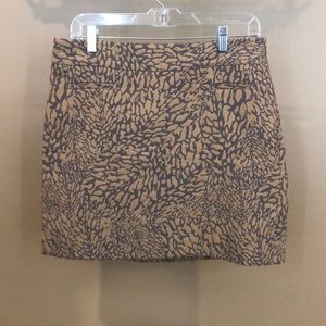 Size 8 LOFT Grey and Cream Patterned Skirt